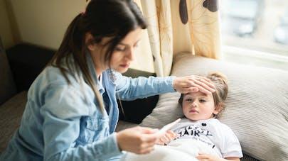 Toux, fièvre, rhume : Covid-19 ou autre virus, comment s'y retrouver