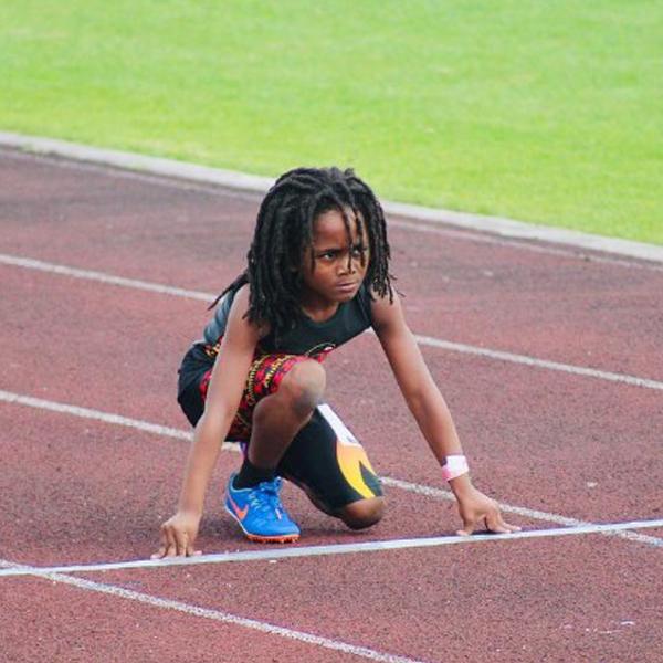 Rudoph Blaze Ingram l'enfant le plus rapide court 100 mètres en 13,48 secondes