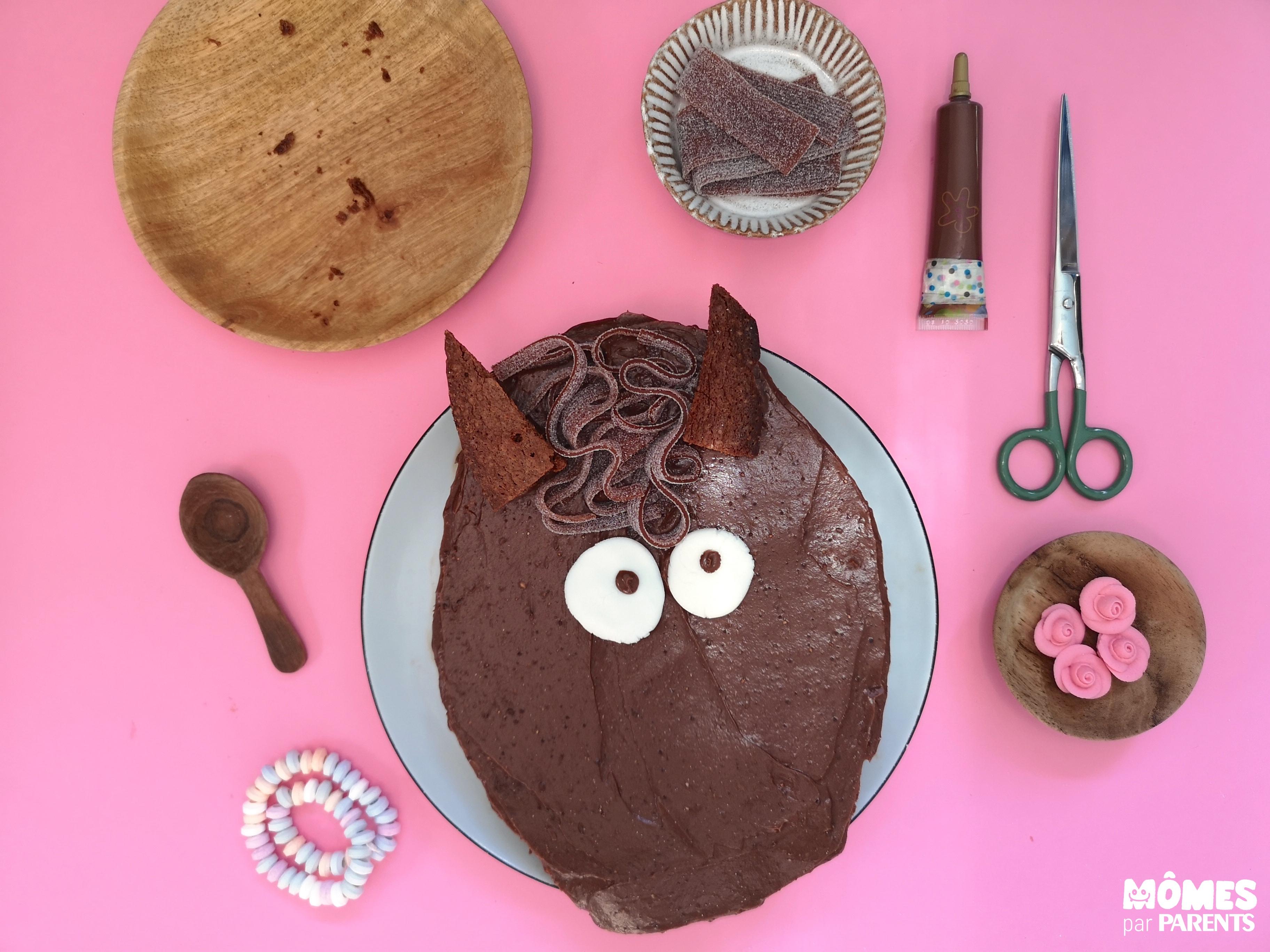 assemblage gâteau poney
