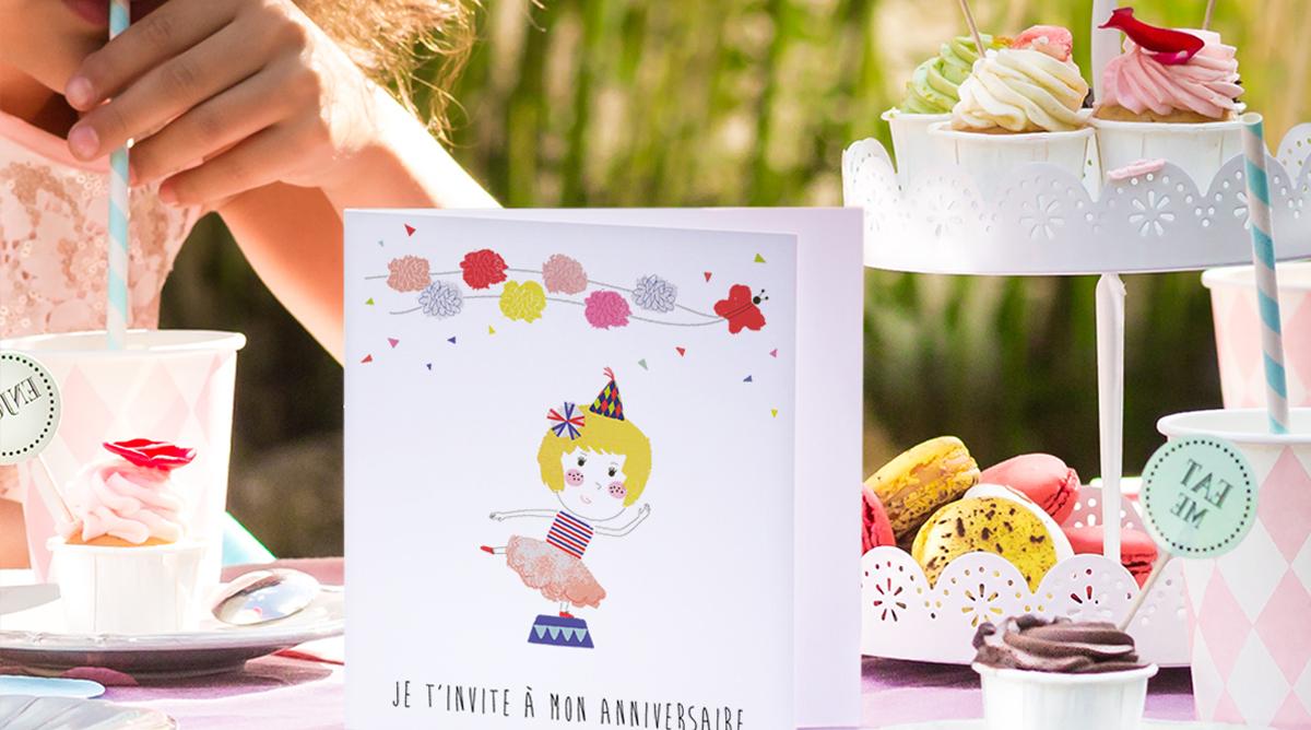 Astuce bricolage : création d'une carte d'invitation pour un anniversaire - Momes.net