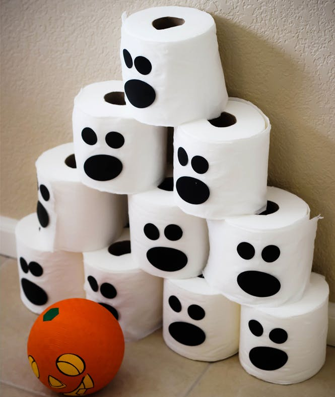 deco halloween a fabriquer avec rouleau papier toilette. Black Bedroom Furniture Sets. Home Design Ideas