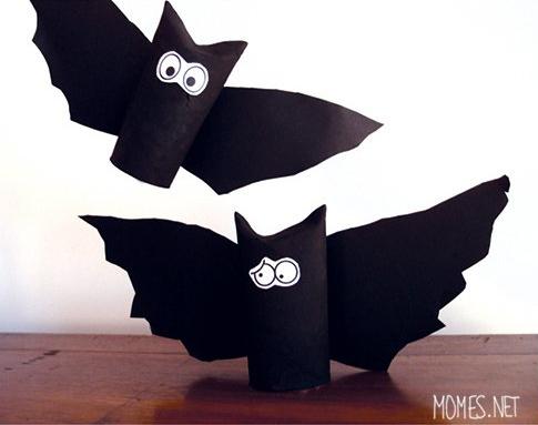 les chauves souris en carton pour halloween. Black Bedroom Furniture Sets. Home Design Ideas