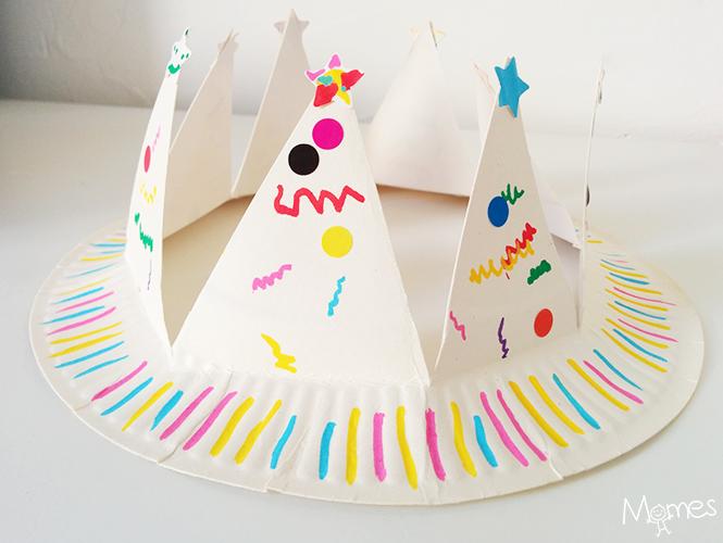 fabriquer une couronne avec une assiette en carton. Black Bedroom Furniture Sets. Home Design Ideas