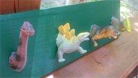 decoration avec des dinosaures jouet