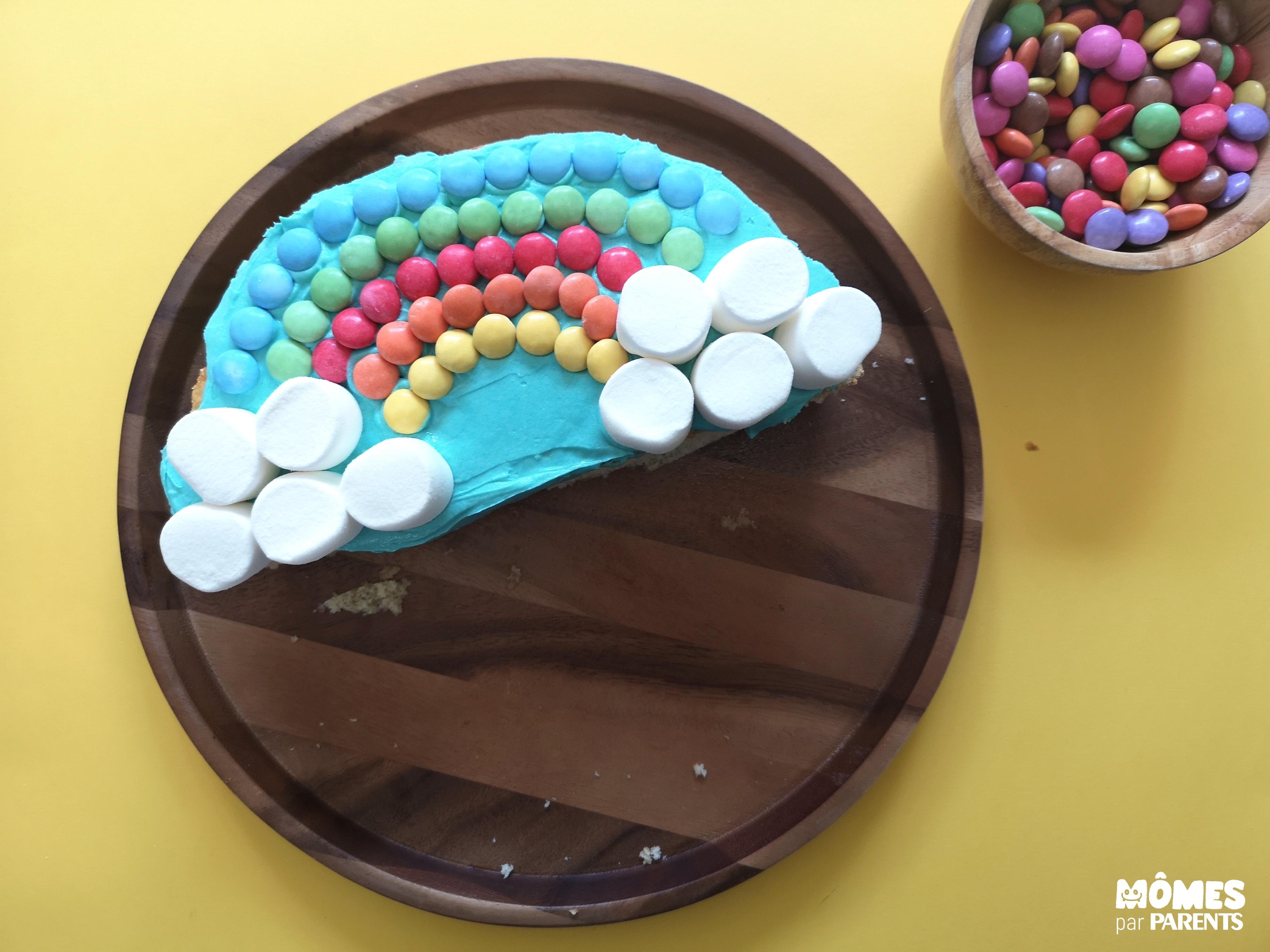 décor gâteau Rainbow