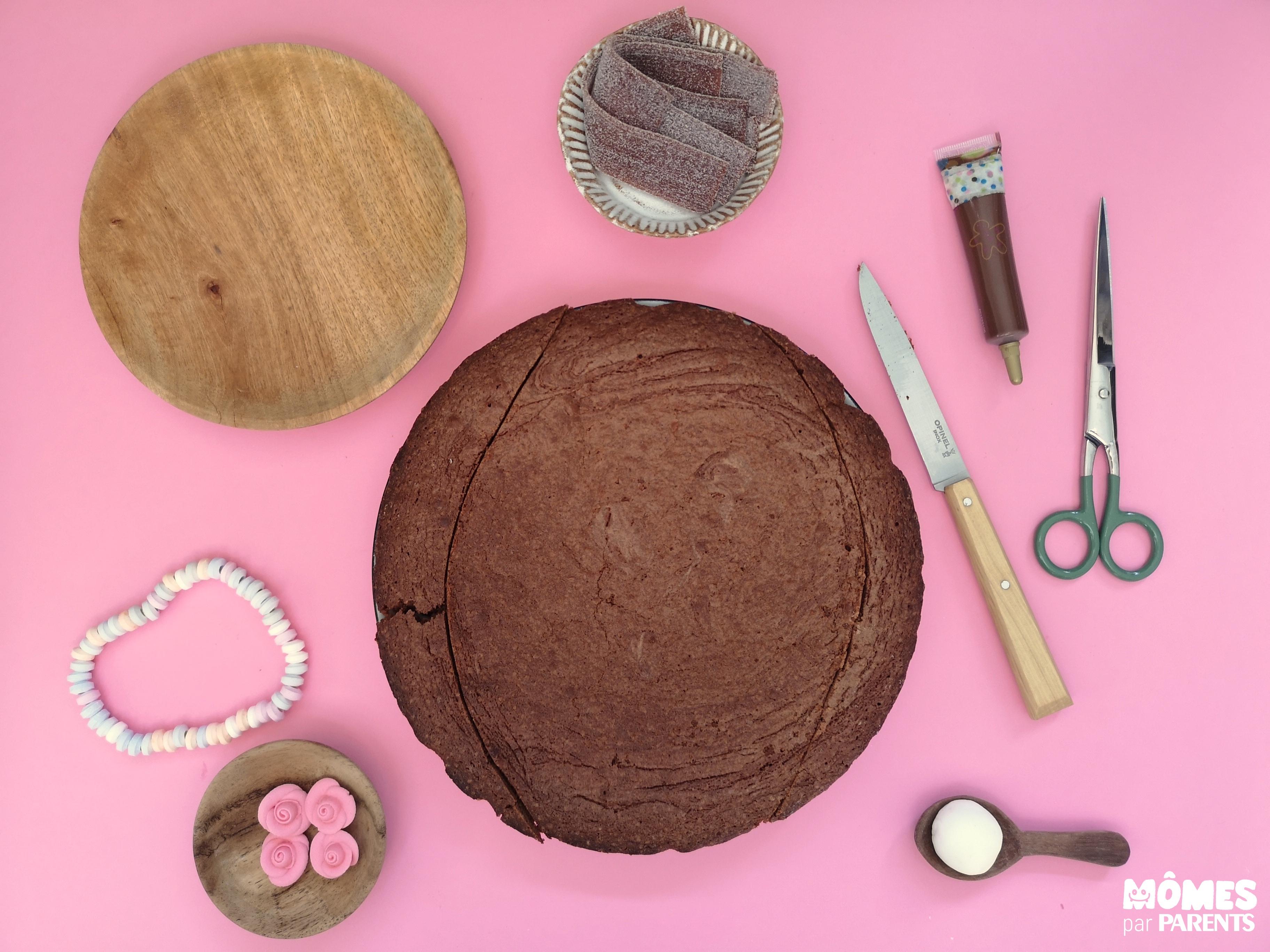 découpe gâteau poney