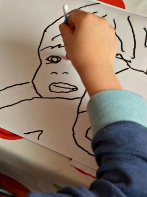 dessiner visage art maternelle