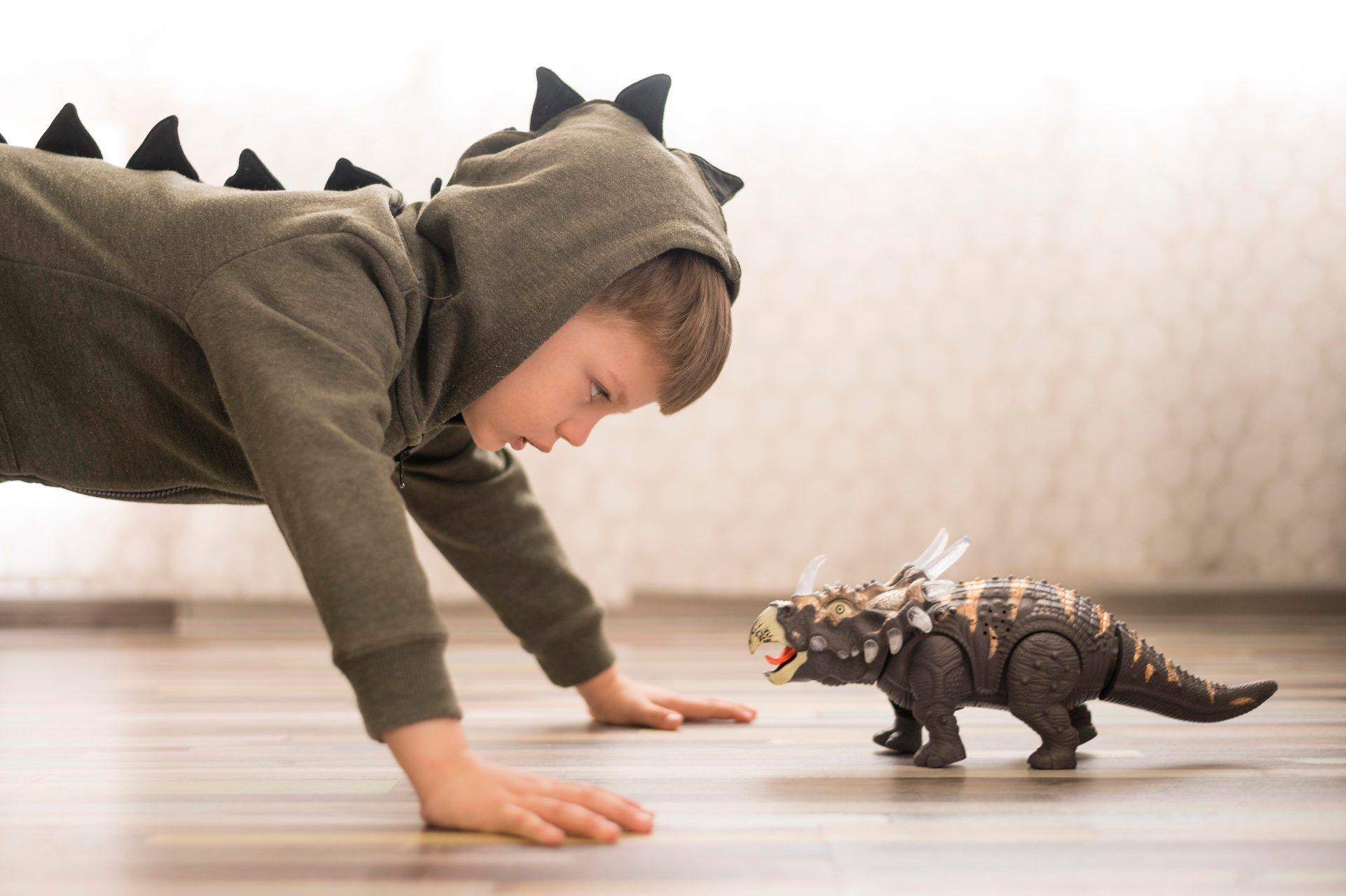 enfant déguisé en dragons