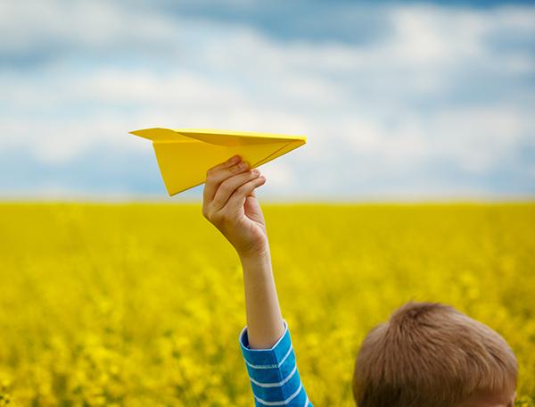 Faire un avion en papier