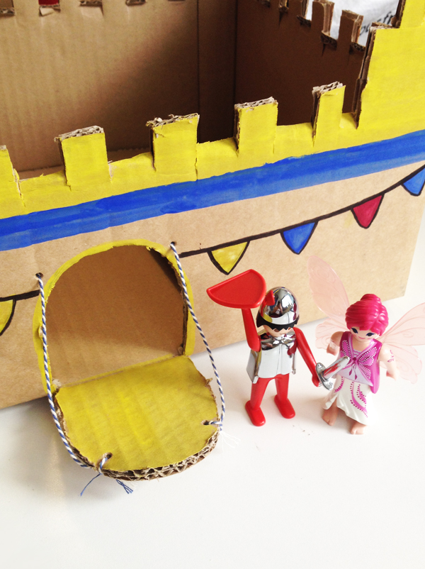 Faire un château avec un carton