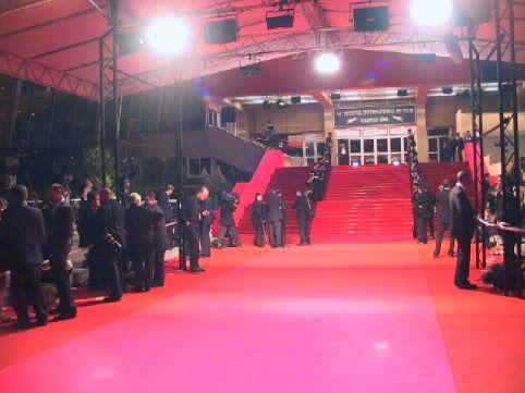 Affiche Festival de Cannes : Les petits princes aux marches du palais
