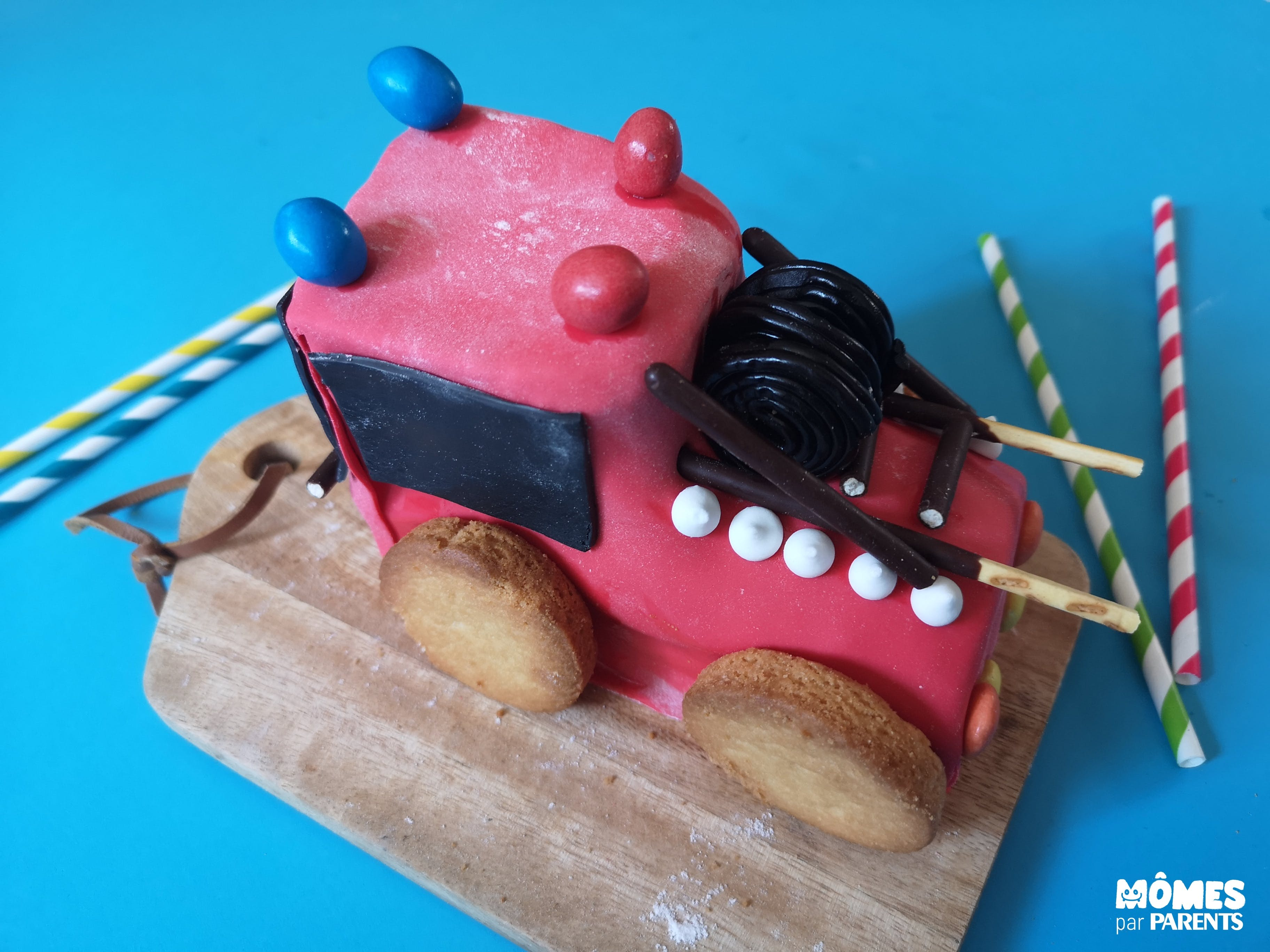 fin gâteau camion de pompier