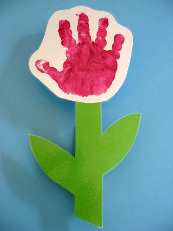 Fleurs avec des empreintes de mains