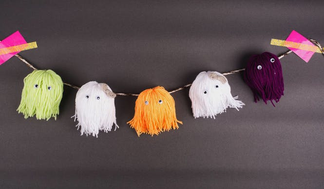 Guirlande de fant mes en laine - Guirlande d halloween ...