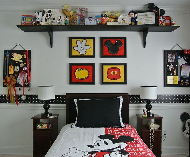 La chambre d 39 enfant mickey mouse retro - Decoration mickey chambre ...
