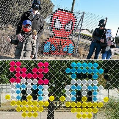 La Gobifamily ou quand une famille du Gard fait du street art avec des gobelets !