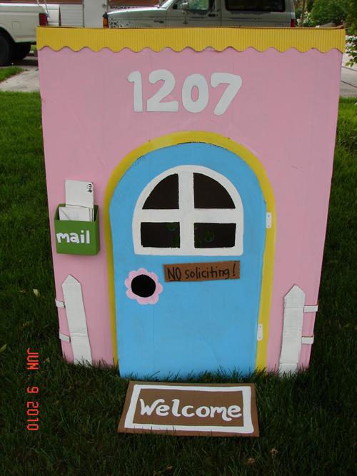 La petite maison de jardin en carton