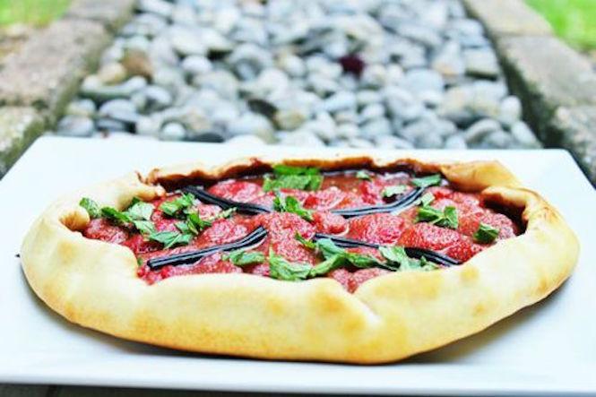 La pizza tomate-basilic en trompe l'oeil