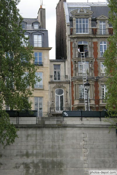 Photo La plus petite maison de Paris