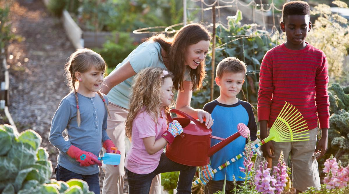 Jardinage enfant for Jardinage le monde