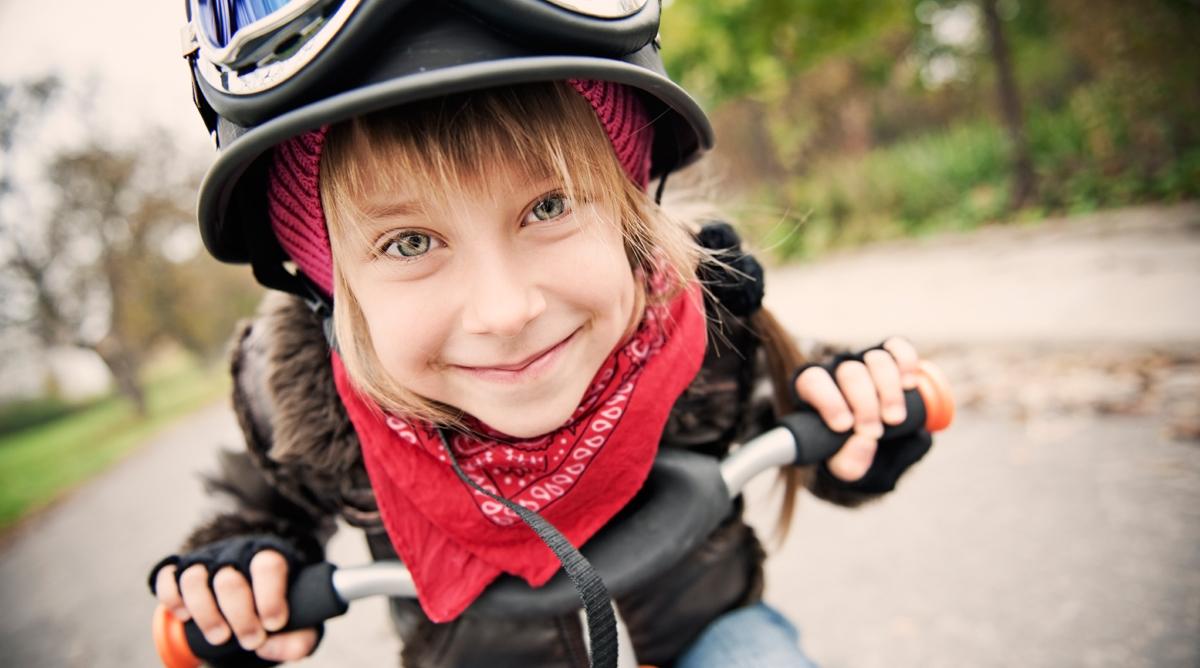 enfant sur un vélo