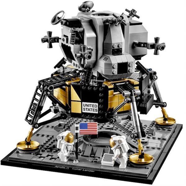 Lego lance un set spécial Apollo 11 pour fêter le cinquantième anniversaire de l'atterrissage sur la Lune