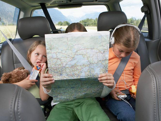 Les jeux pour occuper les enfants sur la route