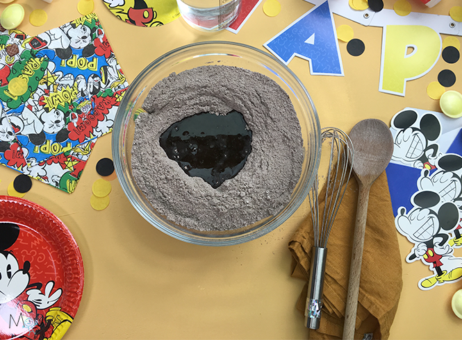 pâte gâteau Mickey step 1