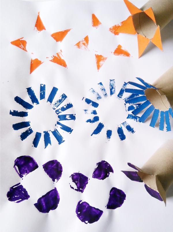 Peindre avec des rouleaux en carton
