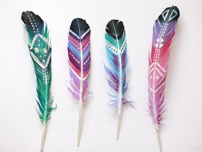 Peindre sur des plumes