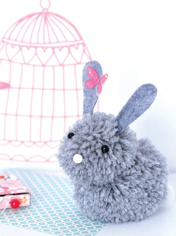 un lapin en pompons. Black Bedroom Furniture Sets. Home Design Ideas