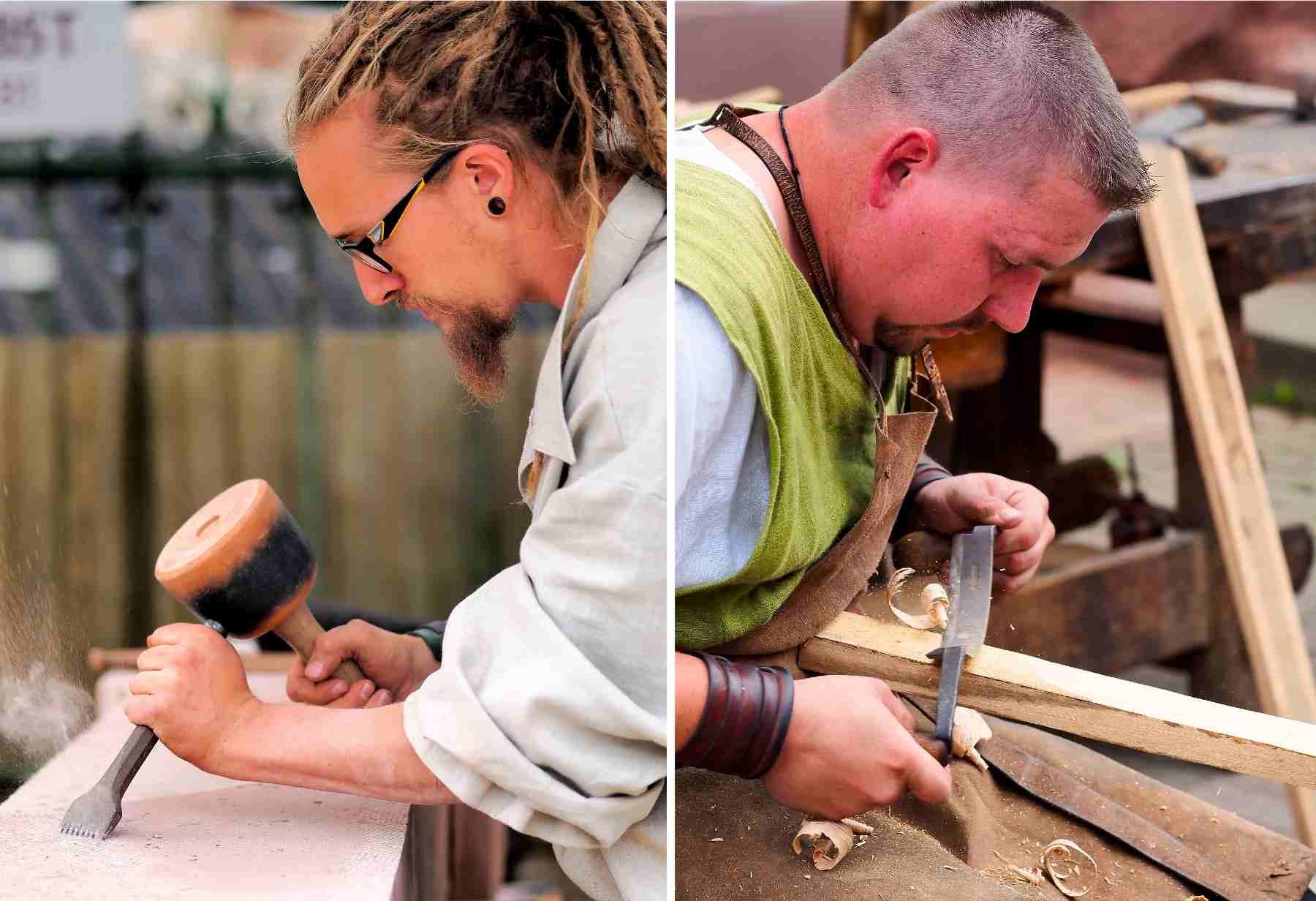 Reconstitution: artisans travaillant