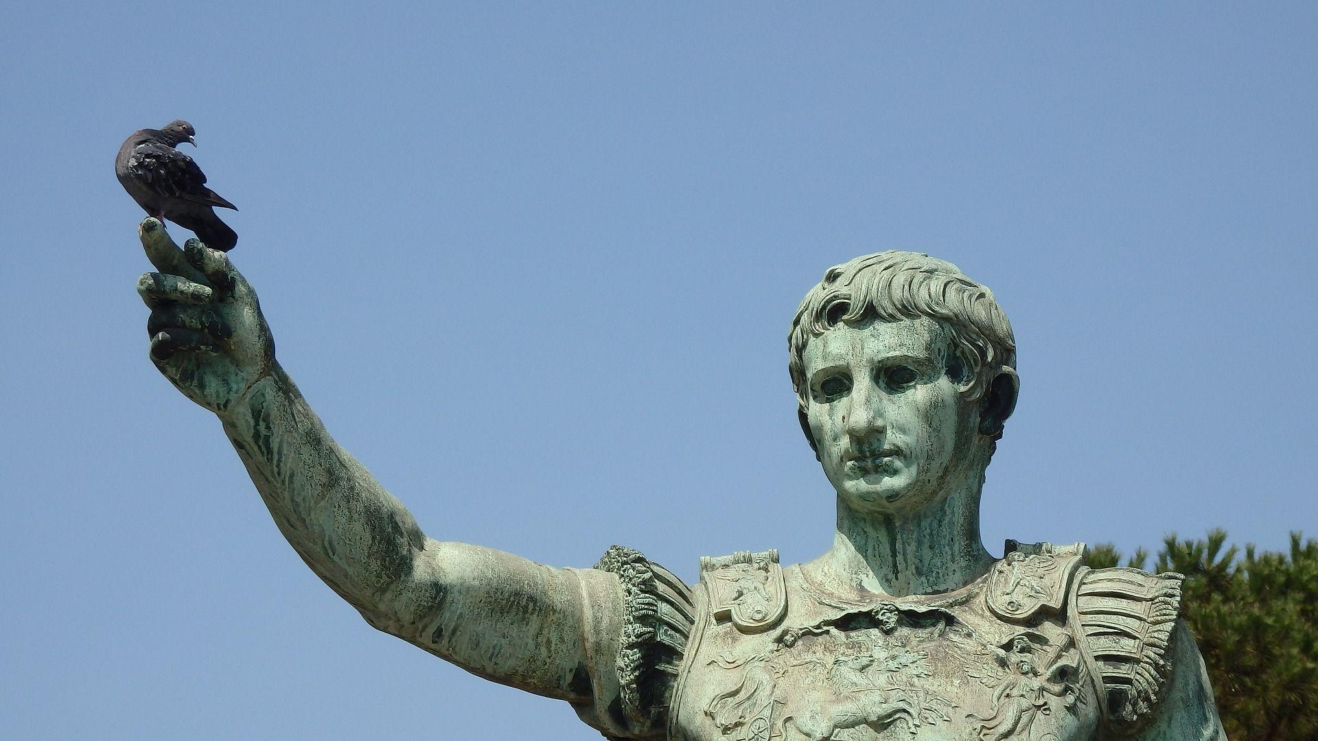 statue du premier empereur Auguste