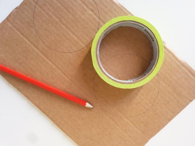 charming faire des objets en carton 11 a lu0027aide. Black Bedroom Furniture Sets. Home Design Ideas