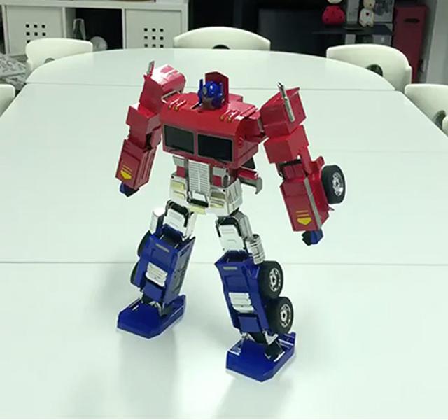 optimus prime robot Transformers jouet