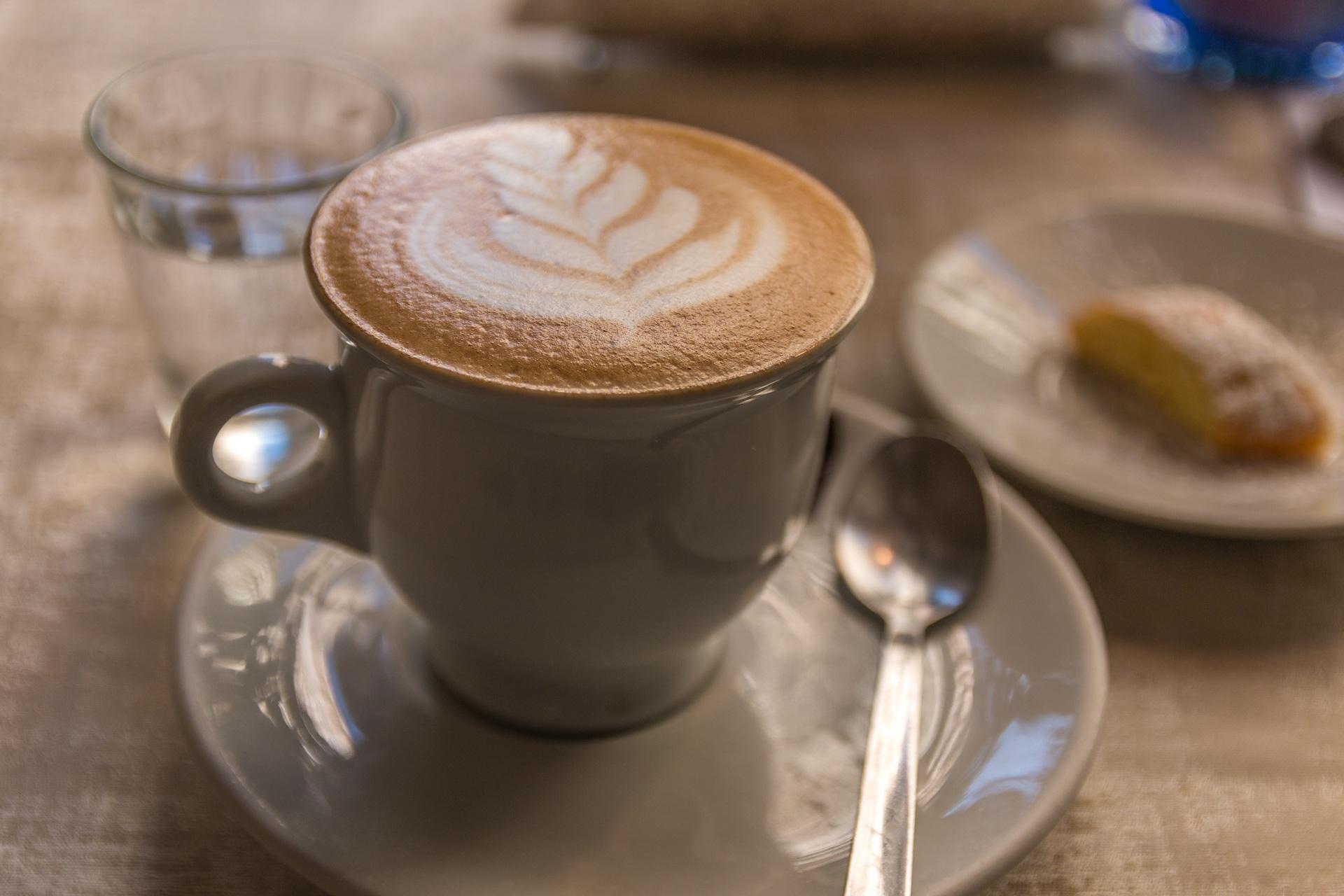 Un cappuccino en terrasse