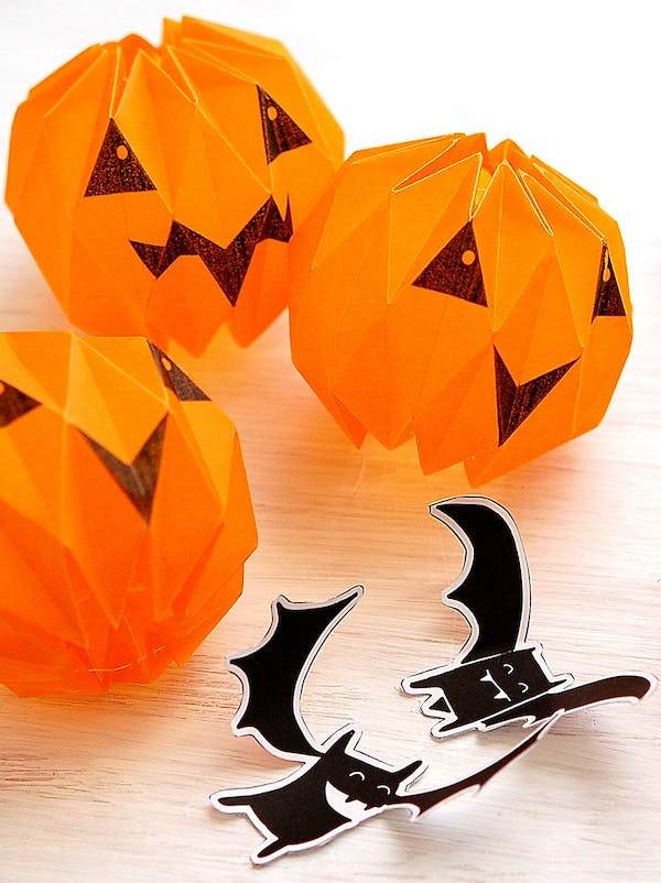Une lanterne d halloween en origami - Deco de table halloween a faire soi meme ...