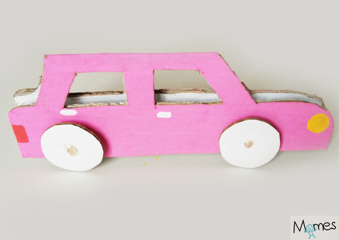 voiture en carton diy