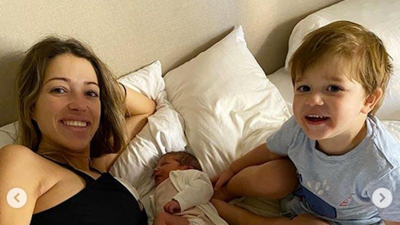 Camille Schneiderlin (Koh-Lanta) maman : les photos très intimes de son accouchement à domicile