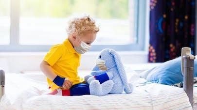 enfant à l'hôpital