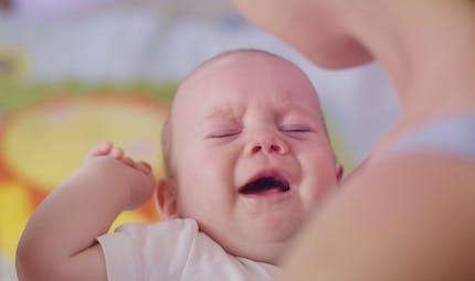 Nourri à l'eau de coco, un bébé lourdement handicapé : les parents végétaliens condamnés
