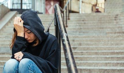 """Automutilation chez les adolescents: elle peut être """"socialement contagieuse"""""""