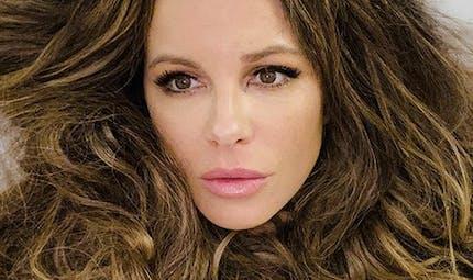 Fausse couche : Kate Beckinsale apporte son soutien à Chrissy Teigen, critiquée sur le web