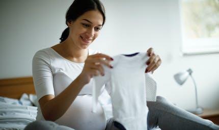 Grossesse : l'additif alimentaire E 171 traverse la barrière placentaire et atteint le fœtus