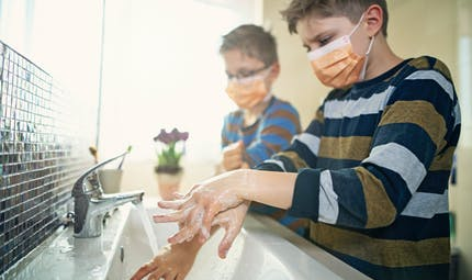 Quelle est la bonne température pour un lavage de mains efficace ?