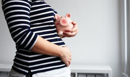 Prime de naissance : elle pourrait bientôt être versée dès le 7e mois de grossesse