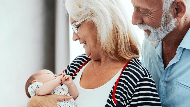 Prénoms : une grand-mère décide de changer le prénom de son petit-fils, qui ne lui plaît pas