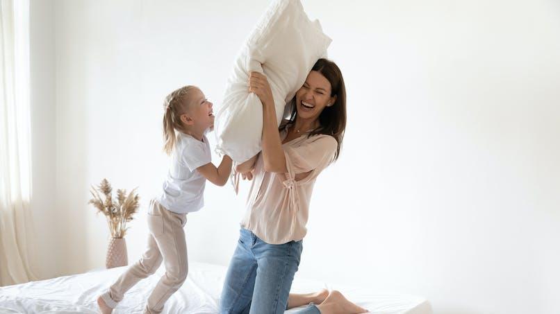 Jeux dangereux : un enfant décède après le jeu de l'oreiller