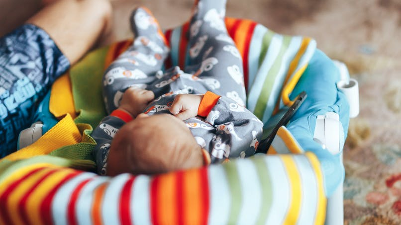 """""""60 millions de consommateurs"""" alerte sur les transats inclinés pour bébés"""
