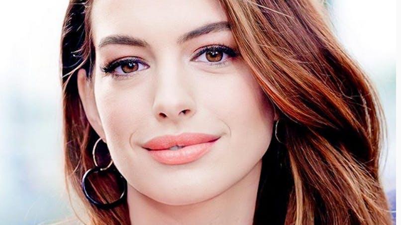 Anne Hathaway dévoile enfin le prénom de son fils de 11 mois